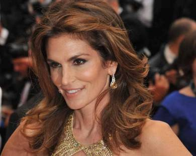 1440472269-cindy-crawford-diet