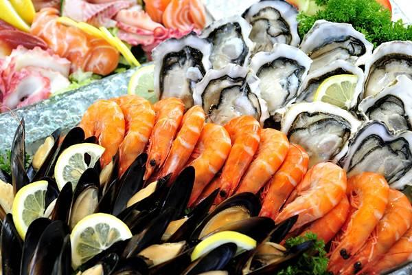 cara-makan-seafood-yang-aman-dan-sehat