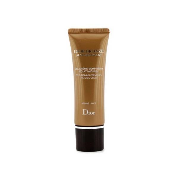 Autobronzeador Bronze Self Tan Glow Face Body, Dior – O Autobronzeador Self  Tan Glow, da Dior, é perfeito pra quem gosta de nutrir a pele sem deixá-la  com ... 96922f787b