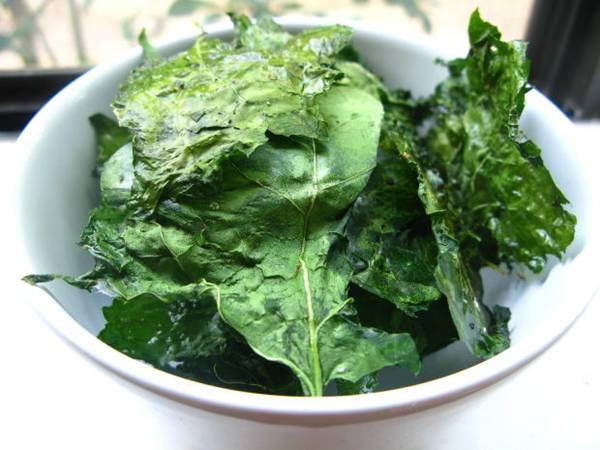 folhas verdes salada kariatx