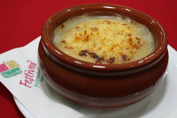 Sopa de Cebola Gratinada - credito Eduardo Bacani