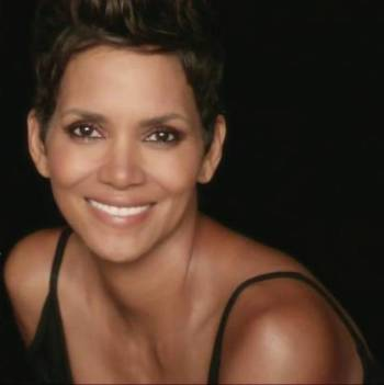 revlon-age-defying-makeup-featuring-halle-berry-large-2