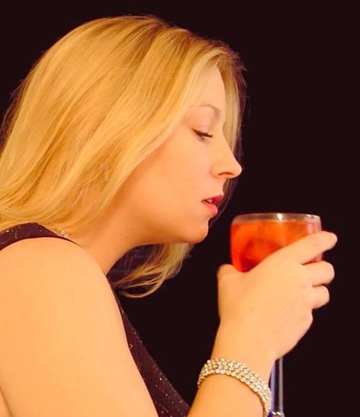 mulher-bebendo