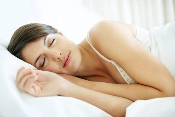 mulher-dormindo-sono