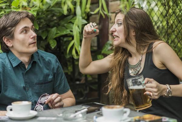 casal-discussao