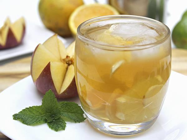 bebida_refrescante_sabor_maca_e_gengibre