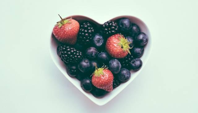 coração frutas