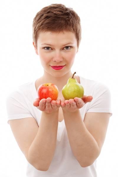 mulher frutas maçã