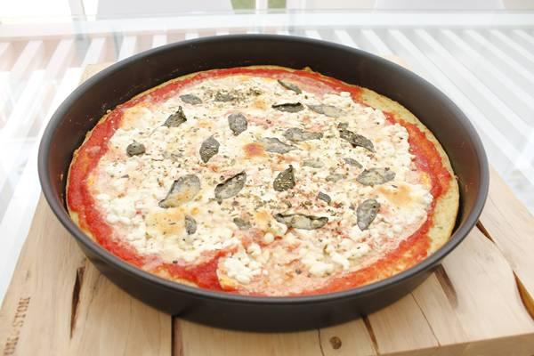 5 - Pizza fit marguerita preparada com massa de couve-flor (1)