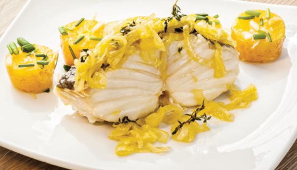 Bacalhau-da-Noruega-grelhado-com-mandioquinha-e-cebolada-de-laranja_large.png