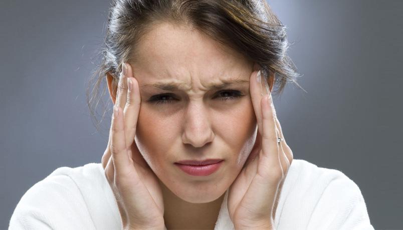 dor cabeça mulher