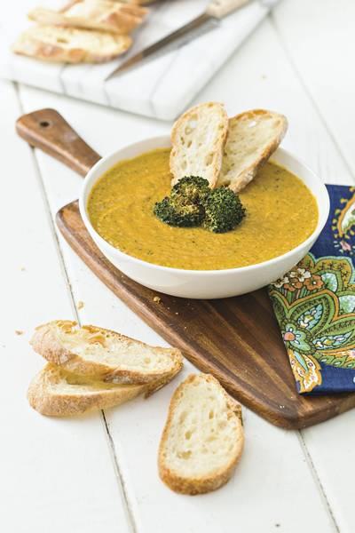 sopa cremosa brocolis e cheddar