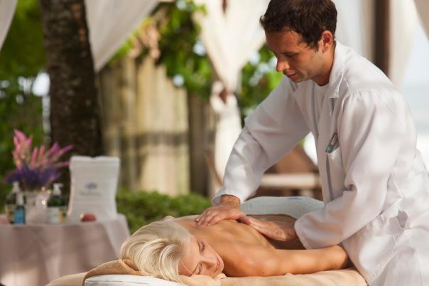Hotel_Spa_Nau_Royal_ela_massagem_gazebo_03170504_182501.jpg