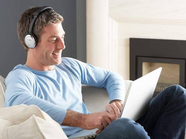 homem fone de ouvido musica philly