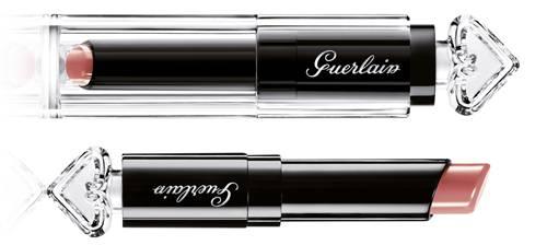 Guerlain - La Petite Robe Noire Makeup - 011 Beige Lingerie - R$ 150