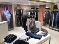 Com a loja do shopping Morumbi, a marca Ana Hickmann Collection, conta com  4 unidades próprias em shoppings de São Paulo (Eldorado, Santana Parque e  ... a46525f959
