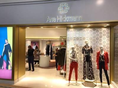 Com a loja do shopping Morumbi, a marca Ana Hickmann Collection, conta com  4 unidades próprias em shoppings de São Paulo (Eldorado, Santana Parque e  ... 2d1aef7014
