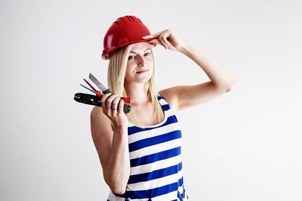 mulher trabalho ferramenta merylin pixabay