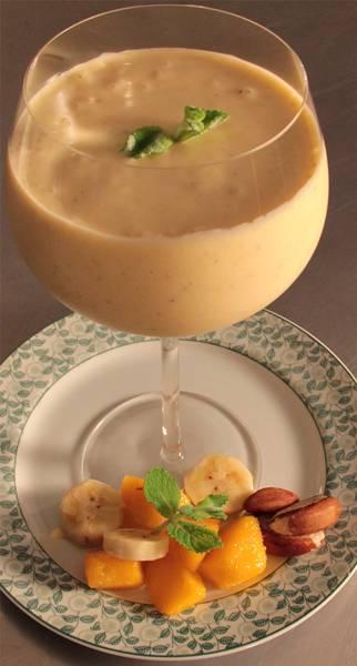 Smoothie de Iogurte e Frutas-Iracema Bertoco.jpg