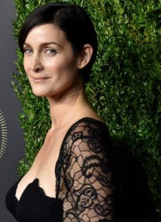 170111084003-29-carrie-anne-moss-celebs-turning-50-2017-super-169