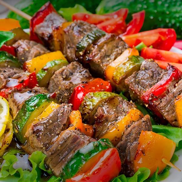 Espetinho de carne Legumes