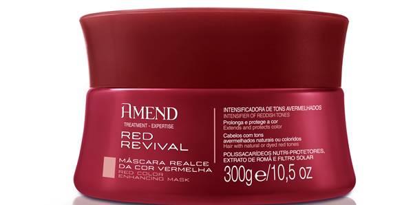 mascara red