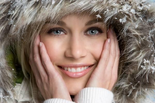 mulher pele inverno frio