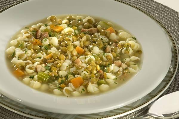 Sopa de Lentilha com Bacon - Conchinha.jpg