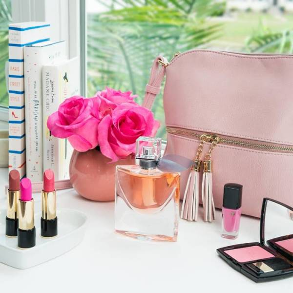 beleza bolsa perfume maquiagem mulher