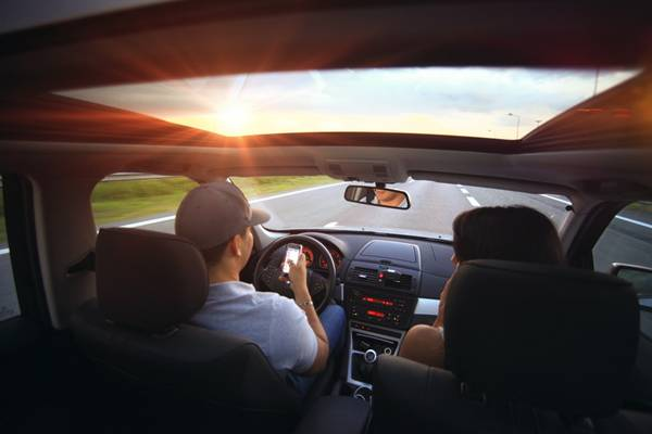 carro dirigir compartilhar estrada