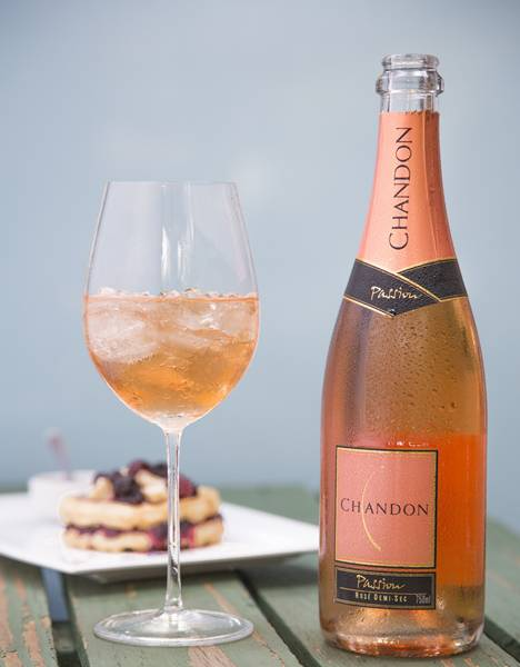 chandon_passion_on_ice1.jpg