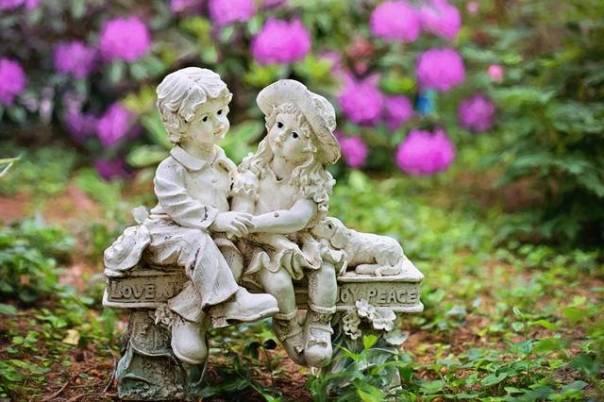 jardim flores casal estatua pixabay