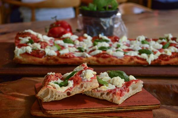 pizza romana gustavo delgado