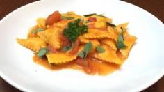 Tortellini de alcachofra com mozarrela e molho pomodoro basilico 2