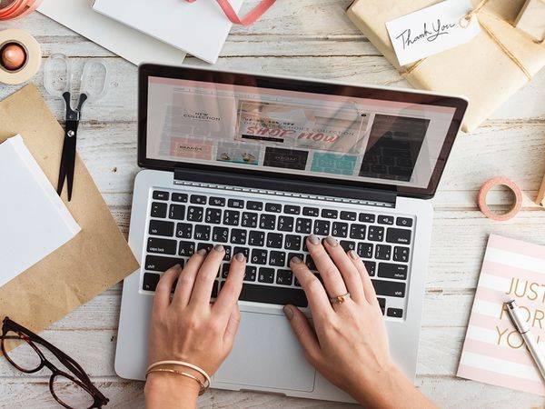 trabalho mesa laptop computador mulher
