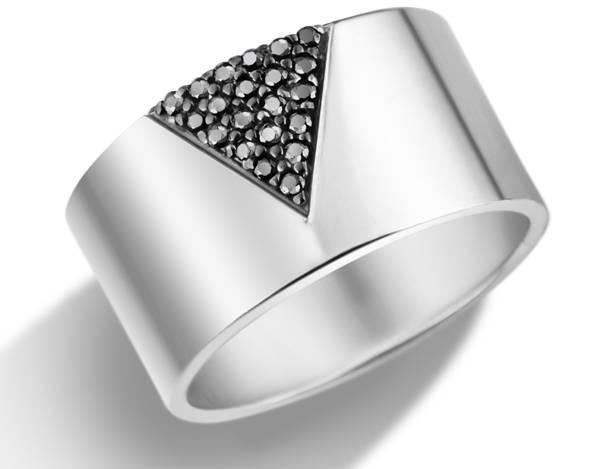 Vivara - Anel em prata com safiras negras R$750,00