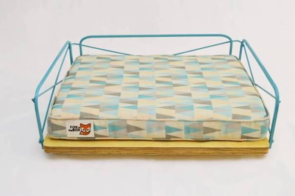 cama-wire-pequena-azul-cama-para-gato