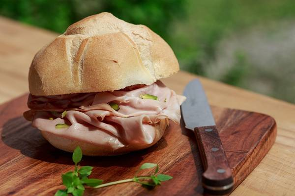 mortadela sanduiche embutido pixabay