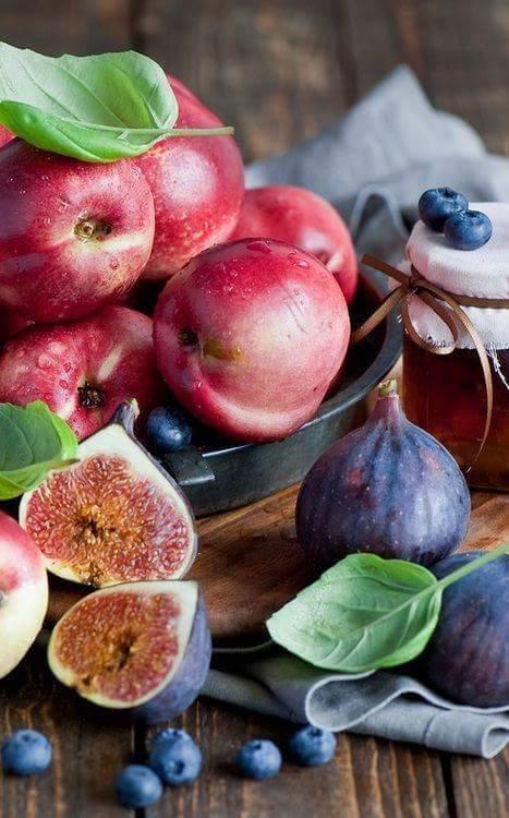 frutas figo mirtilho nectarina