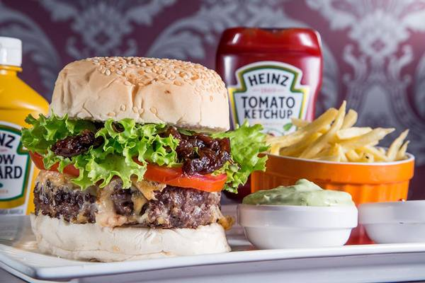 Le Burger de Paris_burger fest_le bou bistrô_bx_créditos Mario Rodrigues