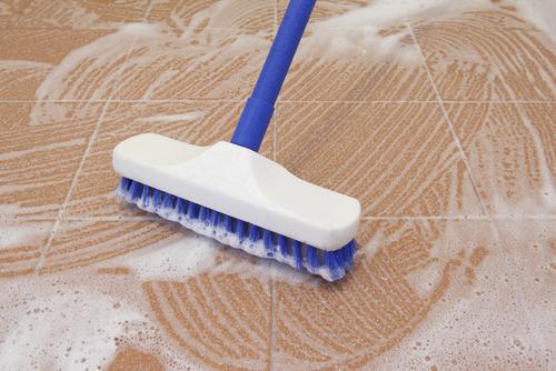 limpeza chão runyonrental