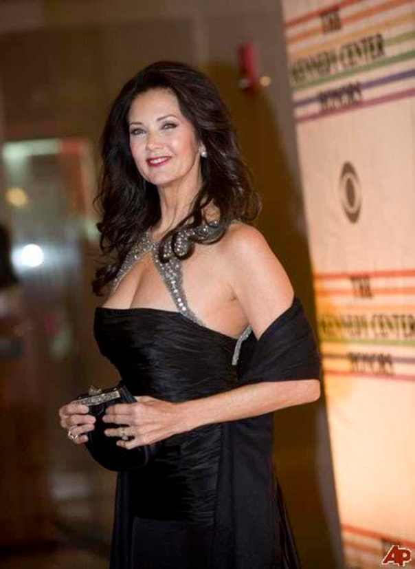 lynda-carter-recording-artists-and-groups-photo-u9