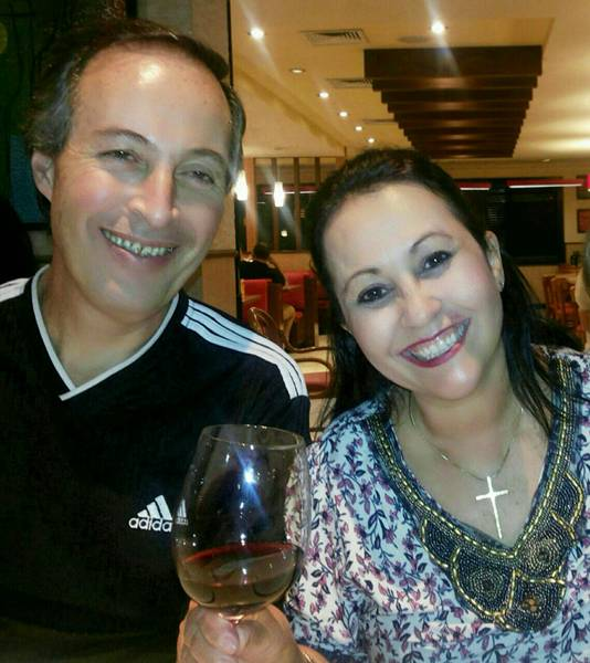 Paulo Sérgio Calabria e Shirlei Pires - casal que se conheceu no site Coroa Metade