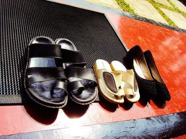 sapatos para fora nuzree pixabay
