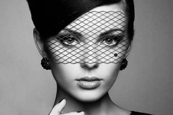 325848_747323_loungerie_mascara_adesiva__louise_r_139_90__1_