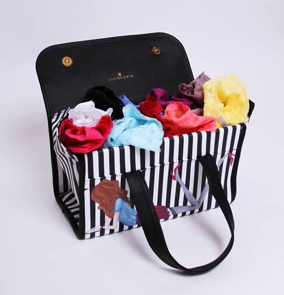 Loungerie - Kit Happy New Panties - R$379,90 2