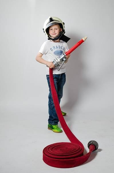 menino brincando pixabay