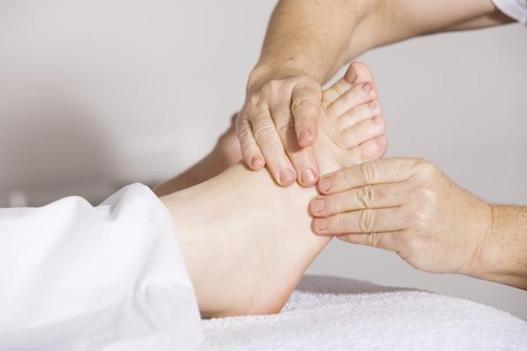 pés massagem andreas 160578 pixabay