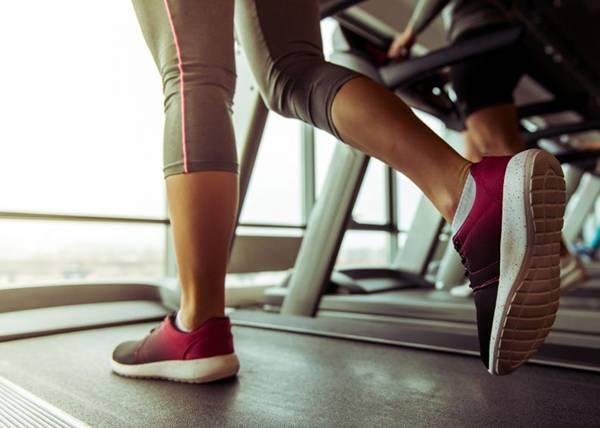 esteira-exercicio-academia-1400x1000-0517
