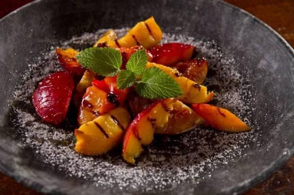 frutas grelhadas com mel de castanha Demétrio (Foto Ivam Grambek)